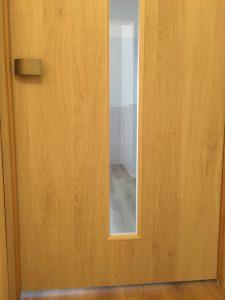 脱走防止ドア